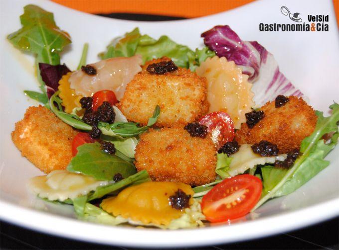 recepta-amanida-formatge-cabra-arrebossat-pate-olives