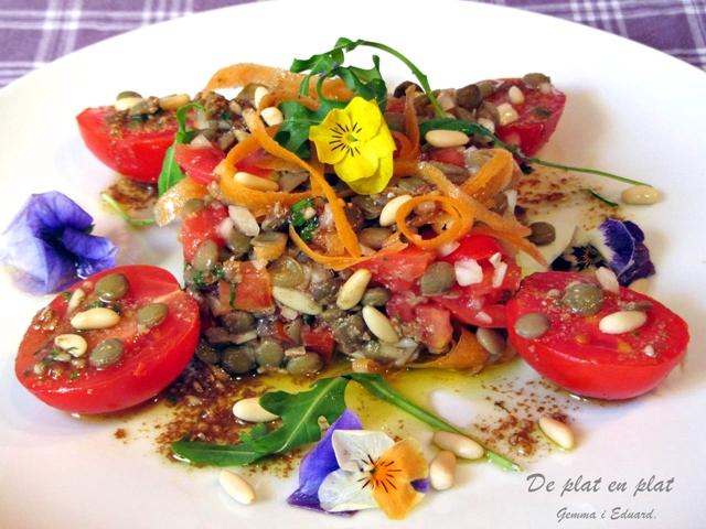 recepta-amanida-llenties-vinagreta-pinyons
