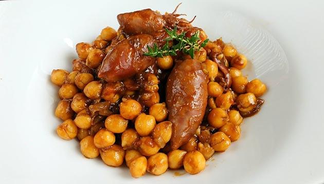 recepta-gourmet-cigronets-calamars-farcits-tinta
