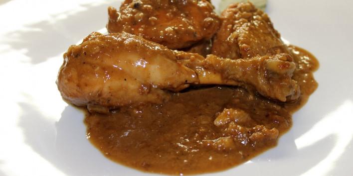 recepta-pollastre-salsa-ametlles-i-xocolata