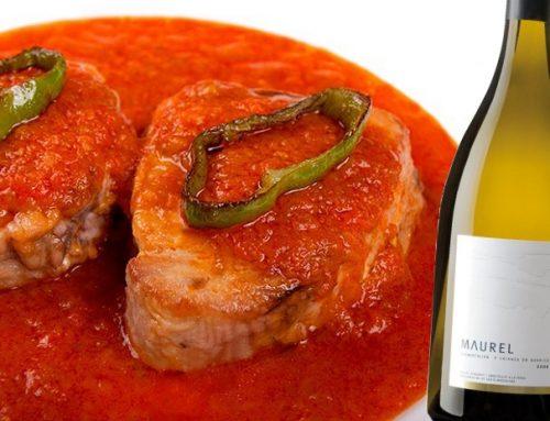 Tonyina amb tomata sofregida i pebrots