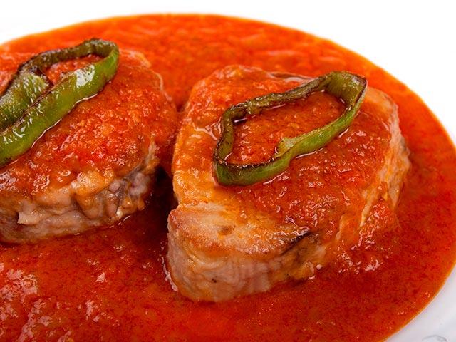 recepta-tonyina-tomata-sofregida-pebrots