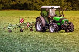 tractor al camp