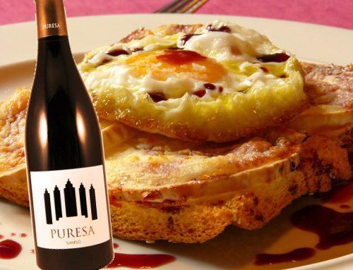 Coca de formatge de cabra amb ou ferrat i reducció de vi dolç