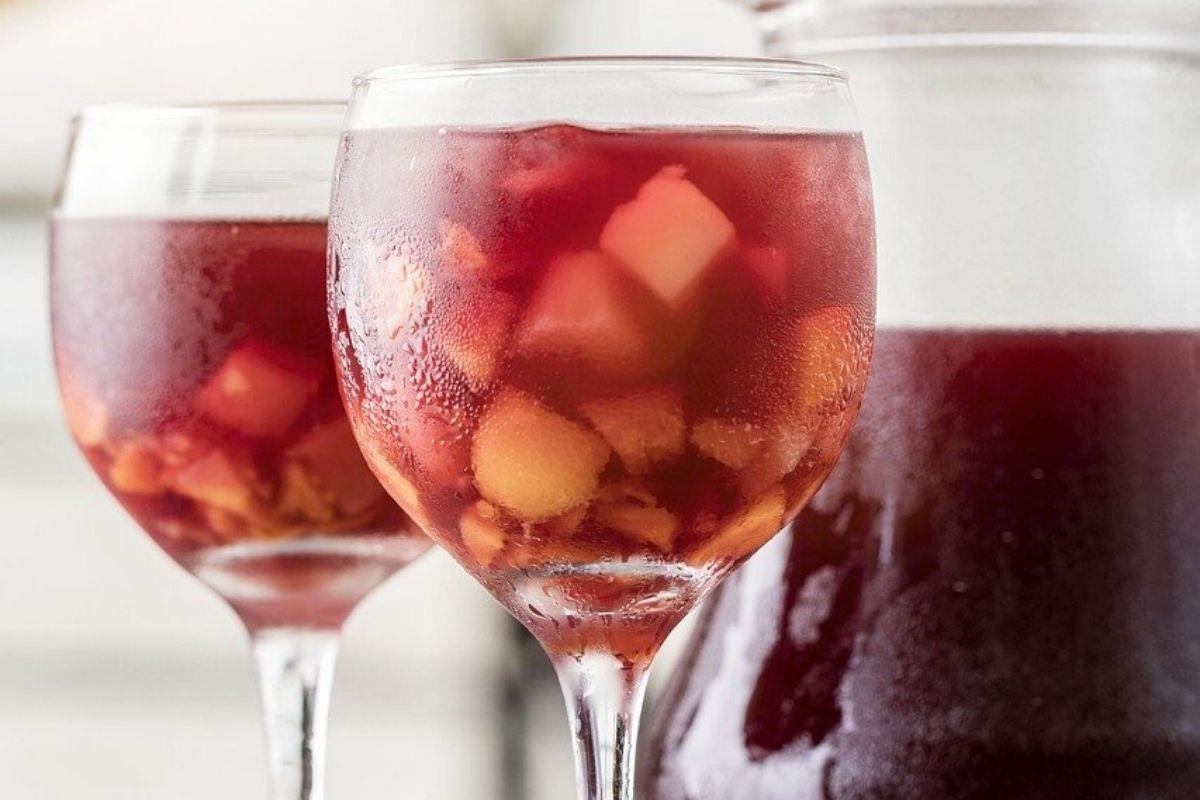 La sangria de vi és una de les més habituals entre els turistes